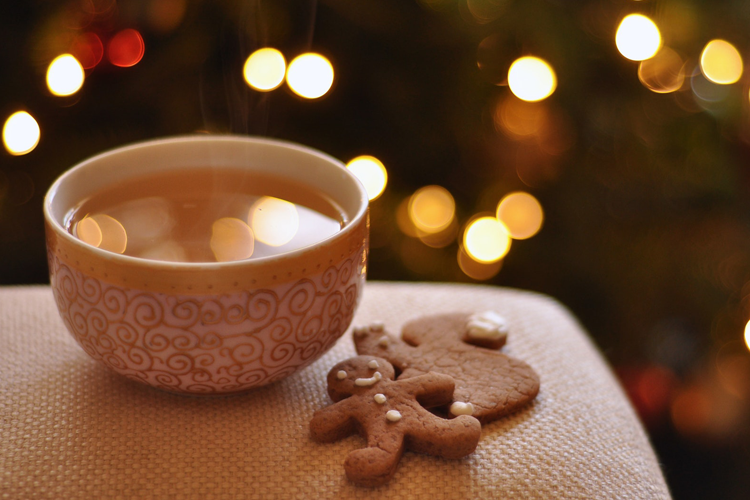 12 Ways to Share Yourself this Holiday Season